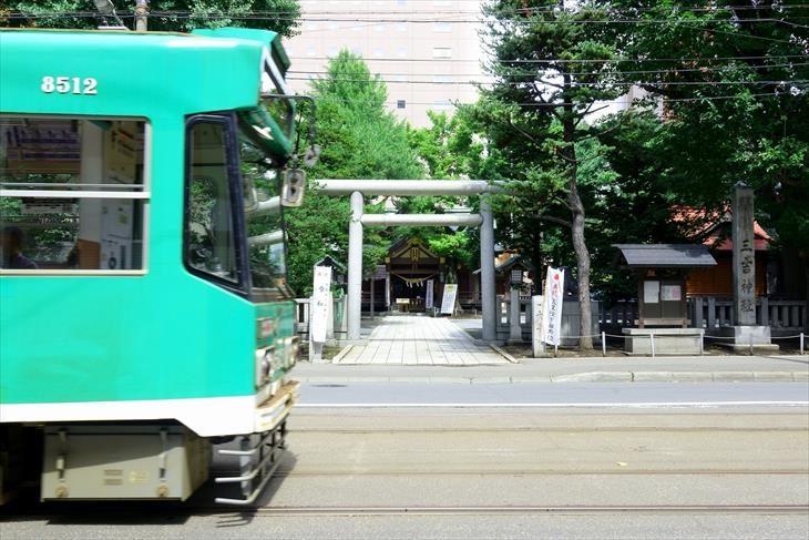 南1条通と札幌三吉神社