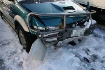 事故った車