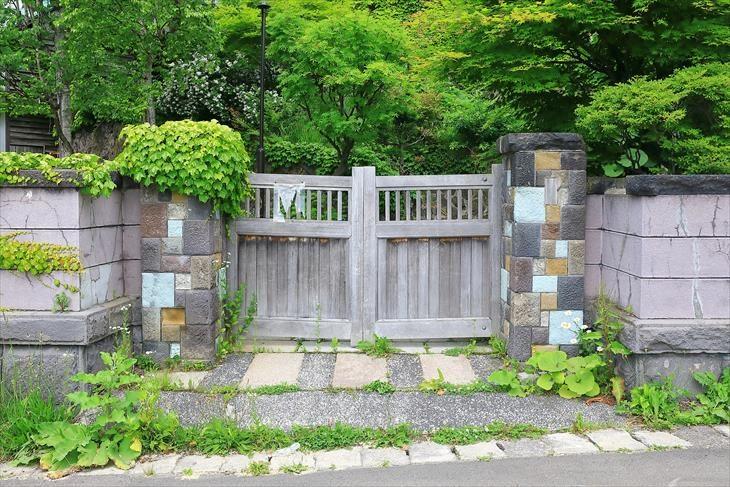旧寿原邸の門