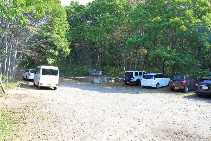 赤岩山白龍神社への赤岩駐車場