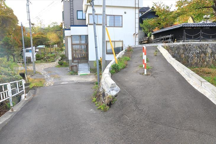 赤岩山神社への道