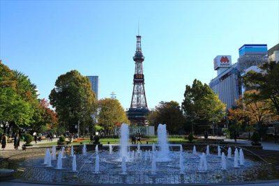 大通公園3丁目から見た噴水とさっぽろテレビ塔