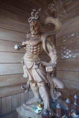 中央寺 仁王像