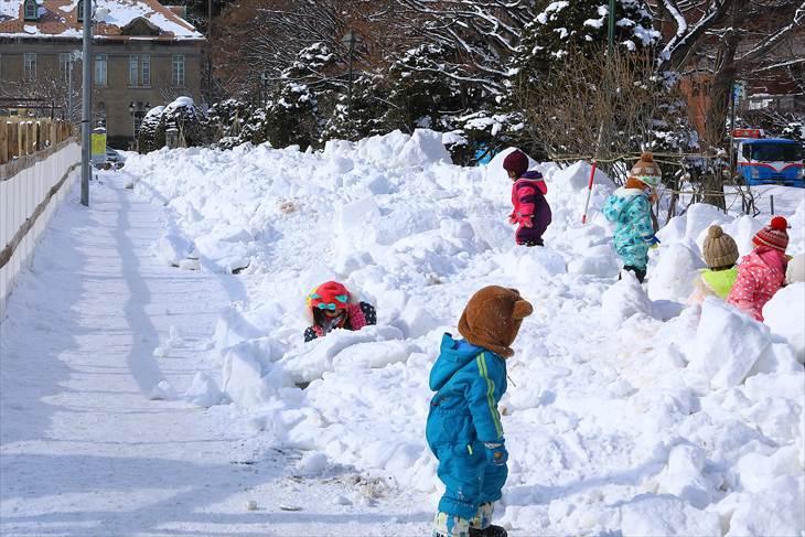 さっぽろ雪まつり・雪像 解体の様子