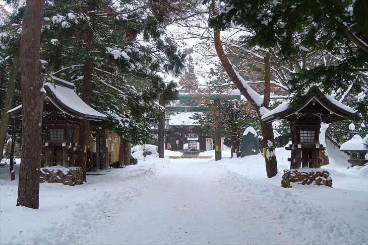 琴似神社の参道