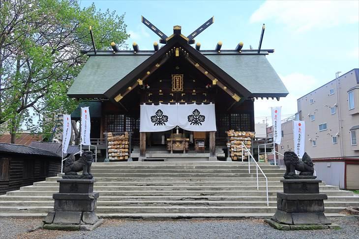 札幌諏訪神社 拝殿(御社殿)