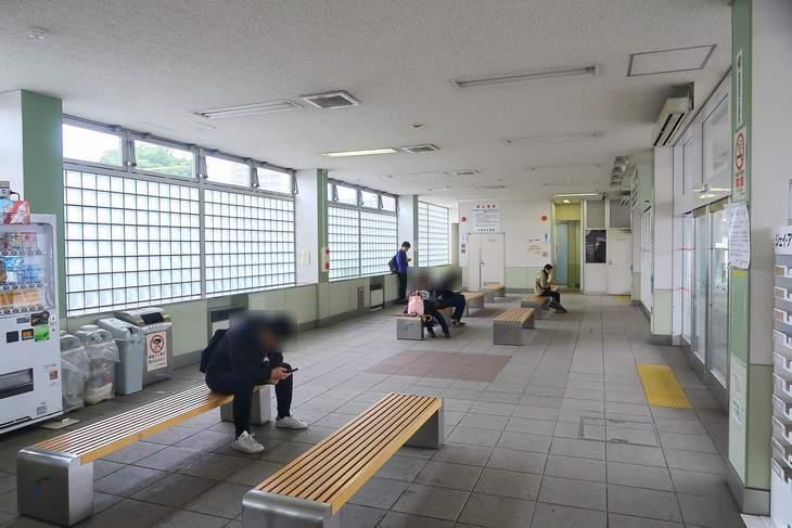 発寒南駅バスターミナル 待合室