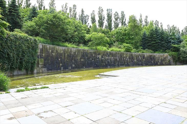 前田森林公園 壁泉
