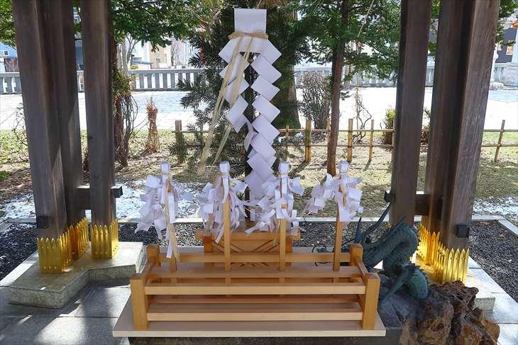 西野神社 冬の手水舎