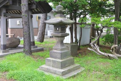 丘珠神社 石灯籠