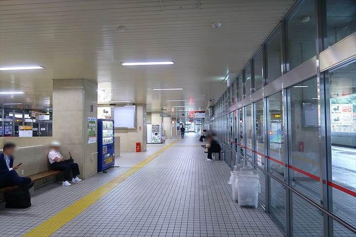 大谷地駅 バスターミナル