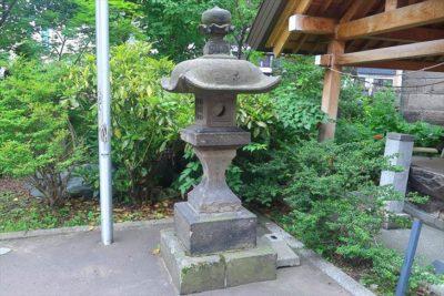 札幌祖霊神社 石灯籠