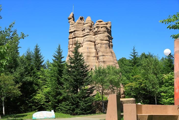 滝野すずらん丘陵公園 あり塚の塔