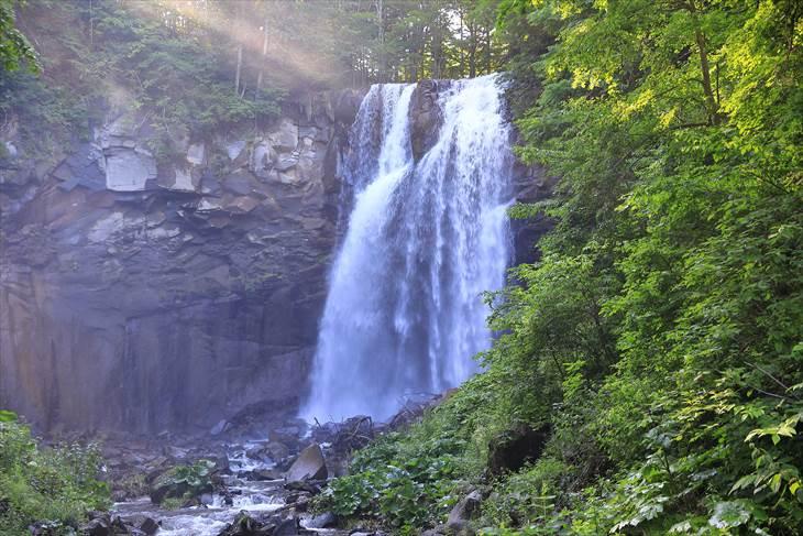滝野すずらん丘陵公園 渓流ゾーン アシリベツの滝