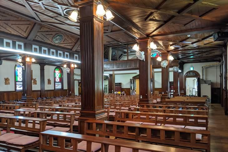 カトリック北1条教会 聖堂