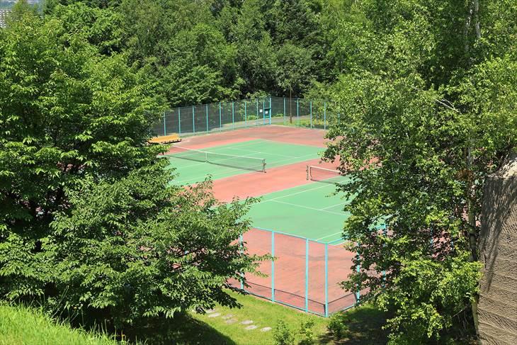 石山緑地 テニスコート