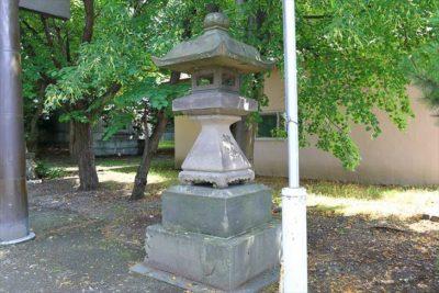 信濃神社 石灯籠