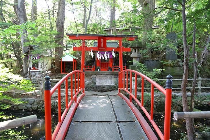 白石伏見稲荷神社