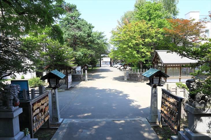 豊平神社 参道