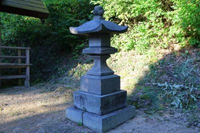 白川神社 石灯籠
