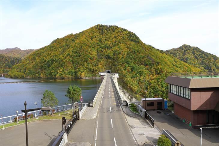 定山渓ダムとさっぽろ湖