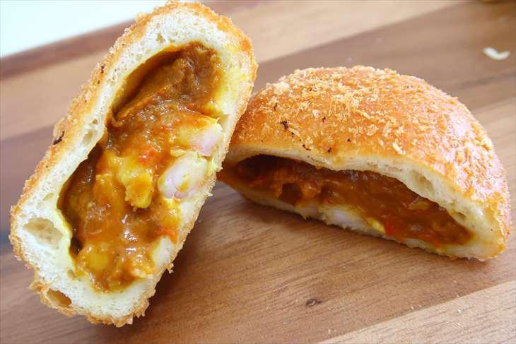 ザ・ベーカリー&ペイストリー 海老とモッツァレラチーズのカレーパン