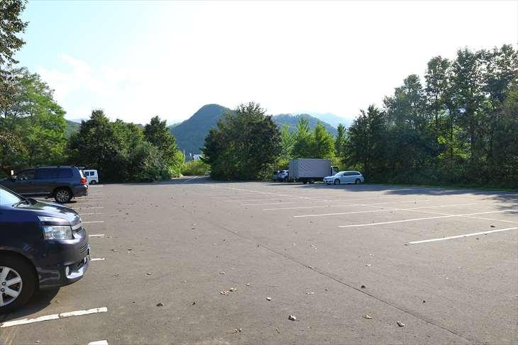 星観緑地 駐車場