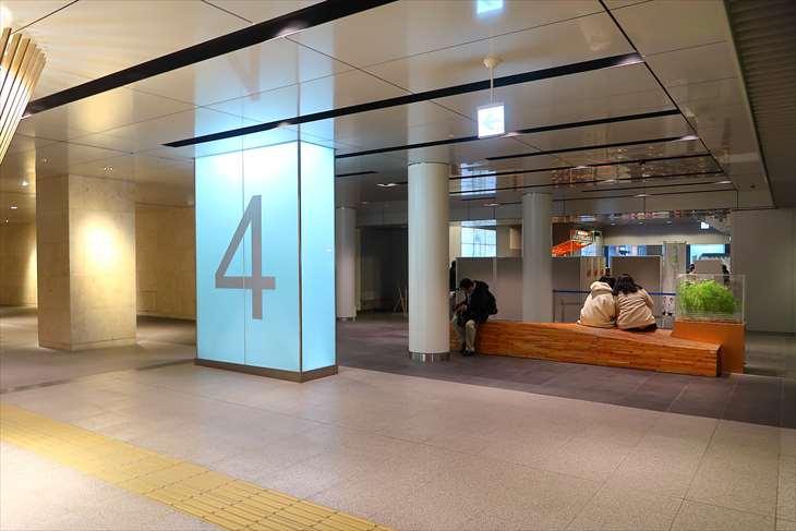 札幌駅前通地下歩行空間 チ・カ・ホ 4番出口