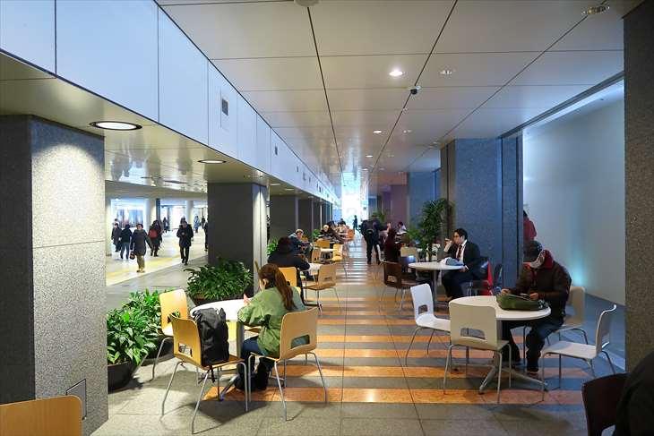 札幌駅前通地下歩行空間 チ・カ・ホ 2番出口