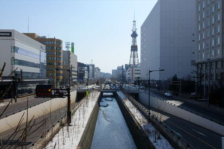 創成川通り 北三条歩道橋からの眺め