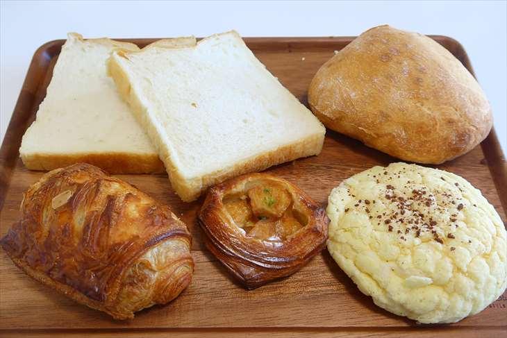 モクモクベーカリーのパン