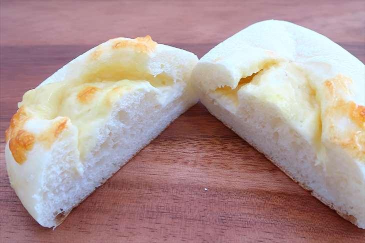 Dominique Geulin(ドミニック・ジュラン)とろけるチーズパン